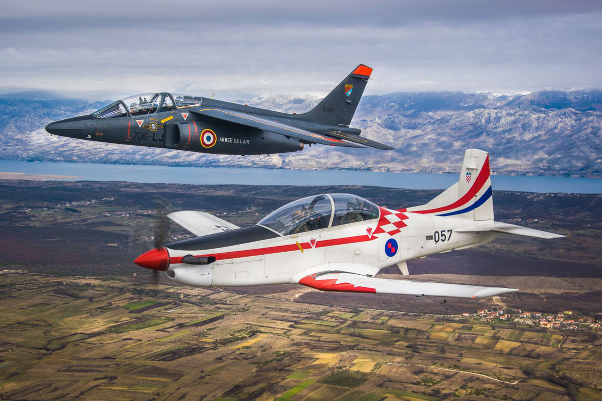 French Air Force received the first two training aircraft Pilatus PC-21 27