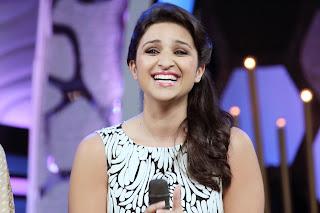Parineeti chopra cute smile wallpapers