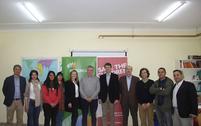 Representantes municipales y de Iberdrola en el CDAFA de Illescas. IMAGEN ILLESCAS COMUNIACIÓN
