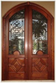 foto Pintu Kupu Tarung lengkung Klasik