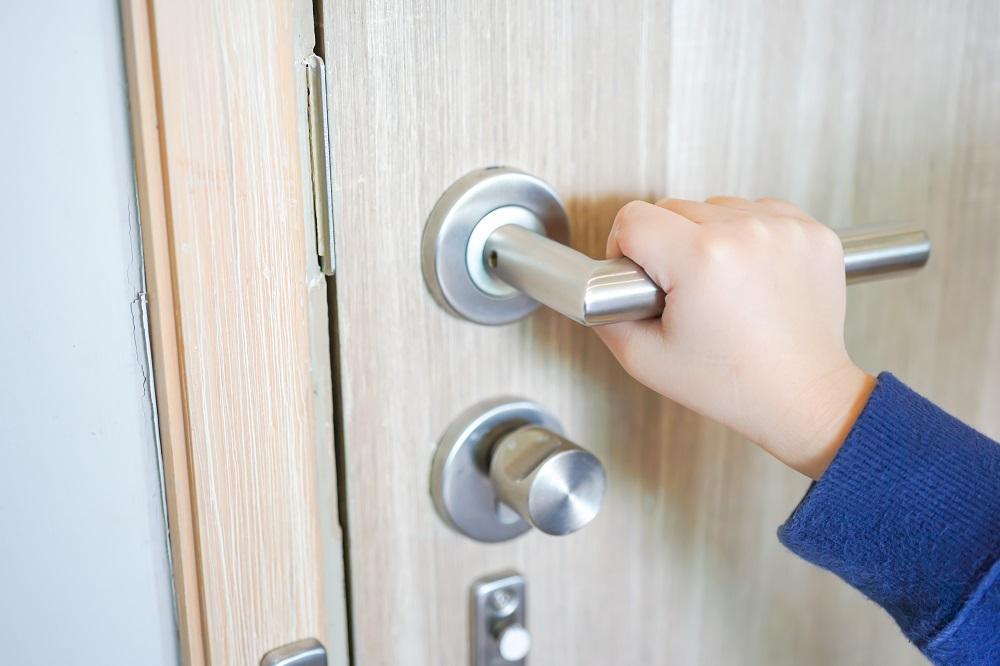 locking-door