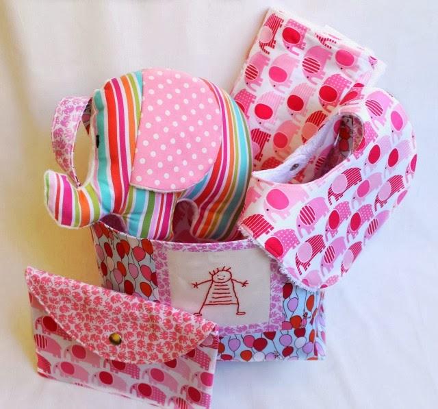 cesta de tela- babero-sobre cartilla-manta minky- elefante de tela handmade funkypatch.blogspot.com