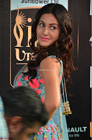 Amyra Dastur in Flower Print Choli Transparent Chunni at IIFA Utsavam Awards 03.JPG