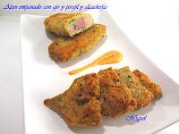 Atún empanado con ajo y perejil y alcachofas
