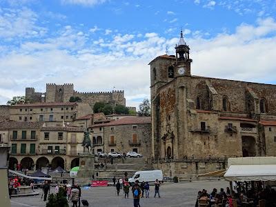 Vista de la Plaza Mayor y el Castillo de Trujillo, Cáceres