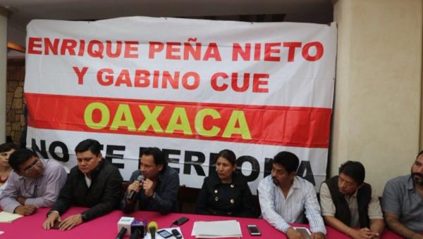 Empresarios mexicanos inician paro contra protestas de la CNTE