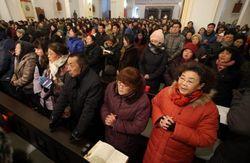 Na ditadura comunista da China, 30 policiais invadem igreja: 'parem de adorar a Cristo'