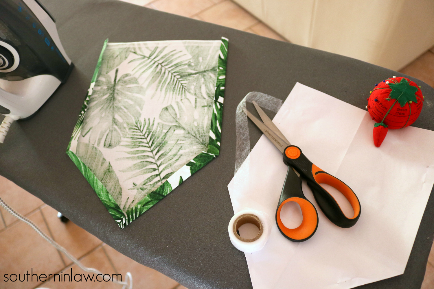 Southern In Law How To Make A Diy No Sew Fabric Wall Hanging