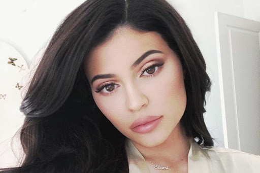 Kylie Jenner  IMAGES, GIF, ANIMATED GIF, WALLPAPER, STICKER FOR WHATSAPP & FACEBOOK