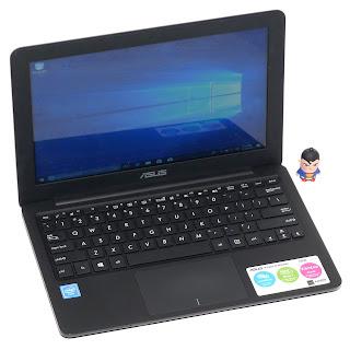 Laptop ASUS E202S Intel Celeron N3060 Bekas