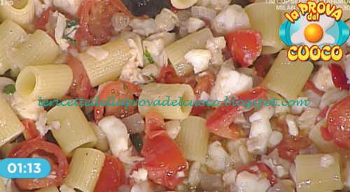 Mezze maniche all'arrabbiata con gricia di spigola ricetta Salvatori da Prova del Cuoco