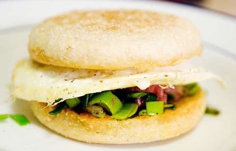 Leek fried egg sandwich
