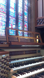 Choir loft photo from side showing Bryn Athyns Allen organ