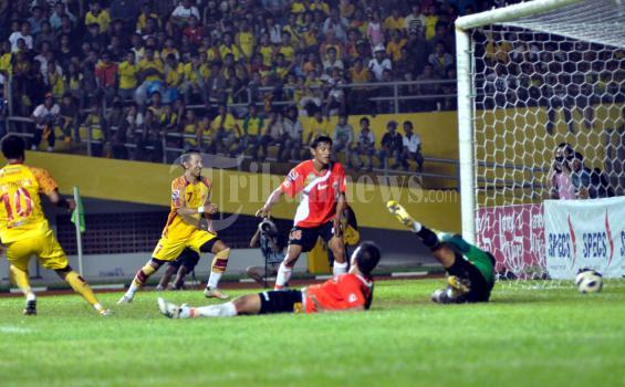 Pemain Sriwijaya FC dan Persija Baku Hantam di Hotel
