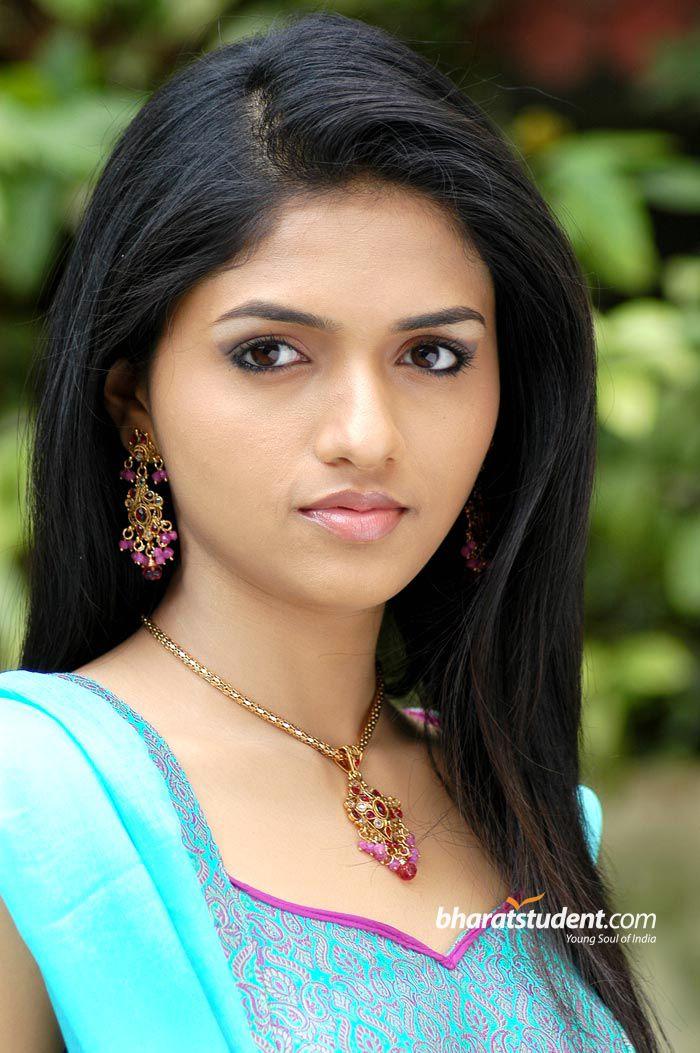 Indian Tamil actress Sunaina -Indian fashion