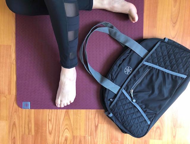 Gaiam Grippy Lace Up Yoga Socksi - Duffle Bag - Perfomance 6MM Mat - Gaiam Canada Ambassador