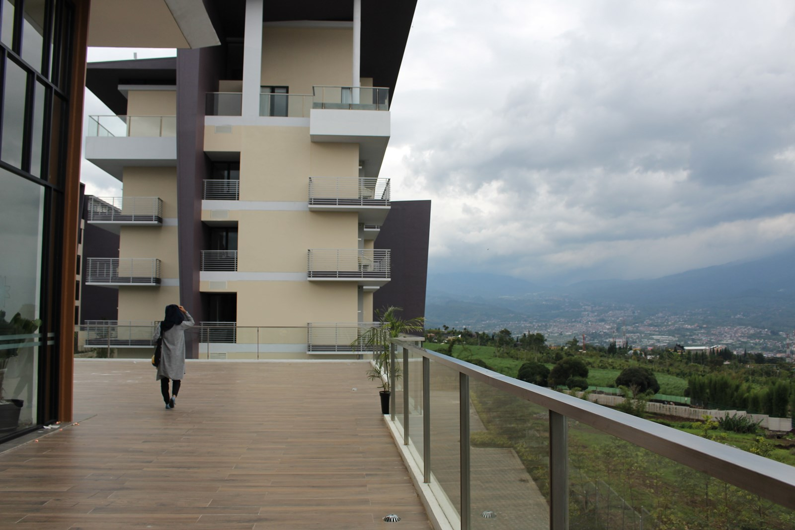 Golden Tulip Hollad Resort Batu Hotel Dengan Pemandangan Gunung Voucher Bonus Panderman Photo By Fery