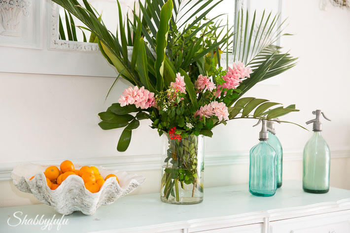 Tropical Decorating Ideas With Flowers