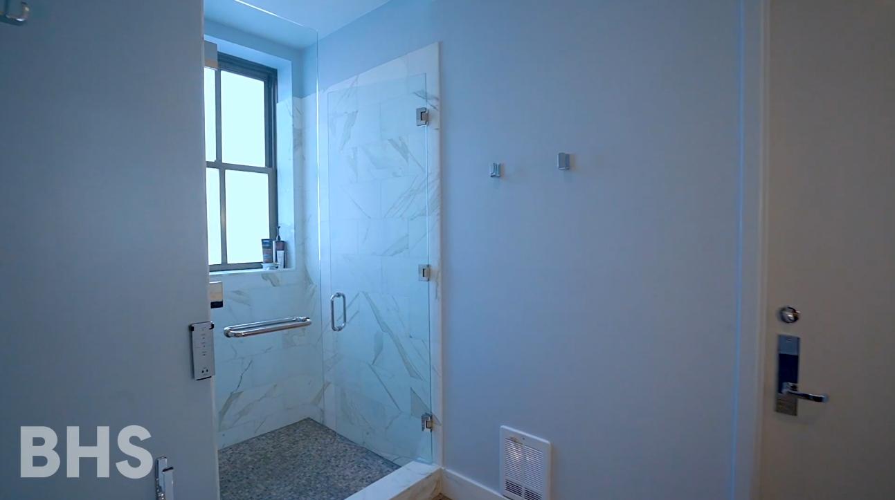 14 Photos vs. 130 W 30th St #17A, New York City Condo Interior Design Tour