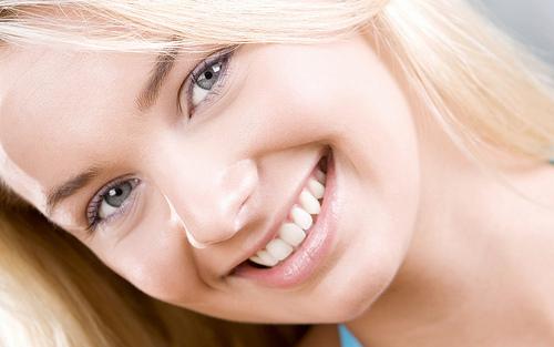 Cara memutihkan kulit wajah ampuh dan alami