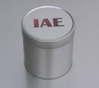 Blechdose auf dem Deckel mit Logo indiviualisiert