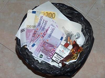 dinero-a-la-basura.jpg