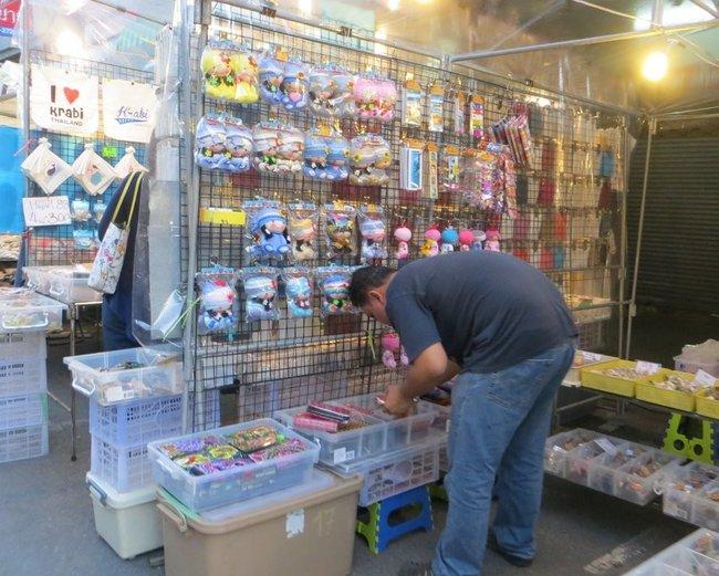 мелочевка на рынке в Таиланде