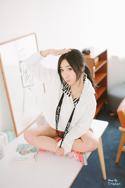 3 Minah - Two Studio Sets - very cute asian girl-girlcute4u.blogspot.com