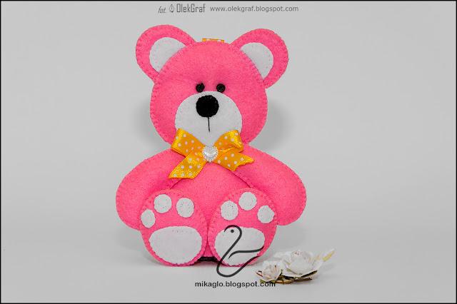 418. Zawieszka – mis z filcu / Felt pink bear