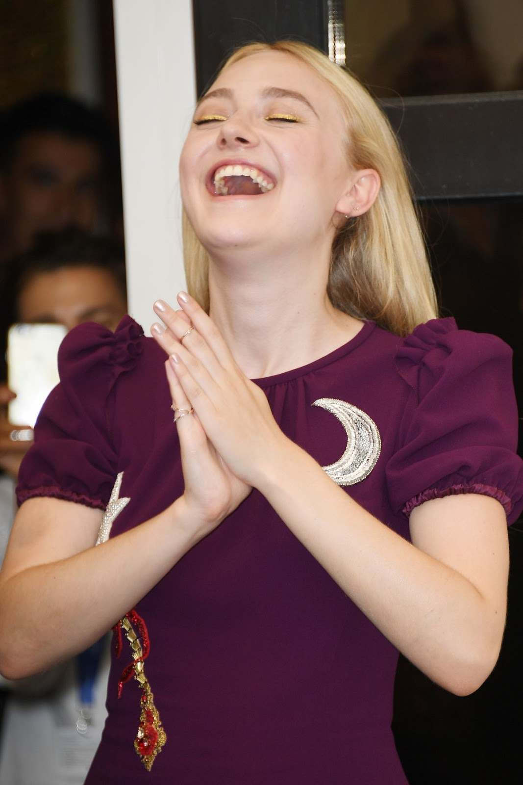Full HQ Photos of Dakota Fanning At Brimstone Photocall At 73rd Venice Film Festival For Free Download