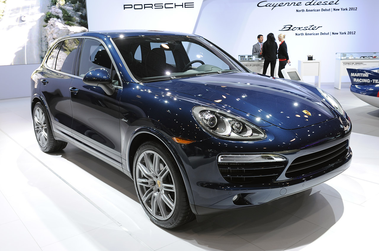 2013 porsche cayenne diesel introduces north americans to. Black Bedroom Furniture Sets. Home Design Ideas