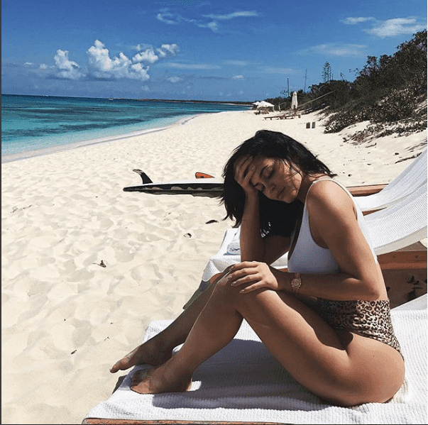 Luxury Makeup  Kylie Jenner And Travis Scott Bring Baby Stormi on Paradise Vacay Makeup Look 2018
