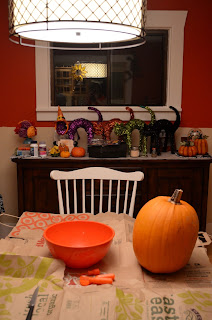 pumpkin carving with halloween cats