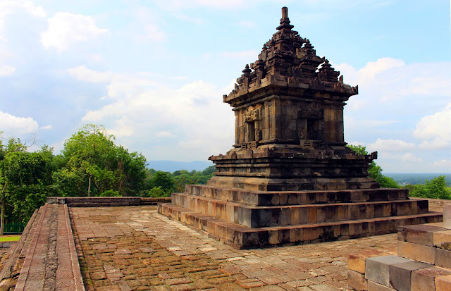 Pesona Keindahan Candi Barong, Prambanan, Yogyakarta