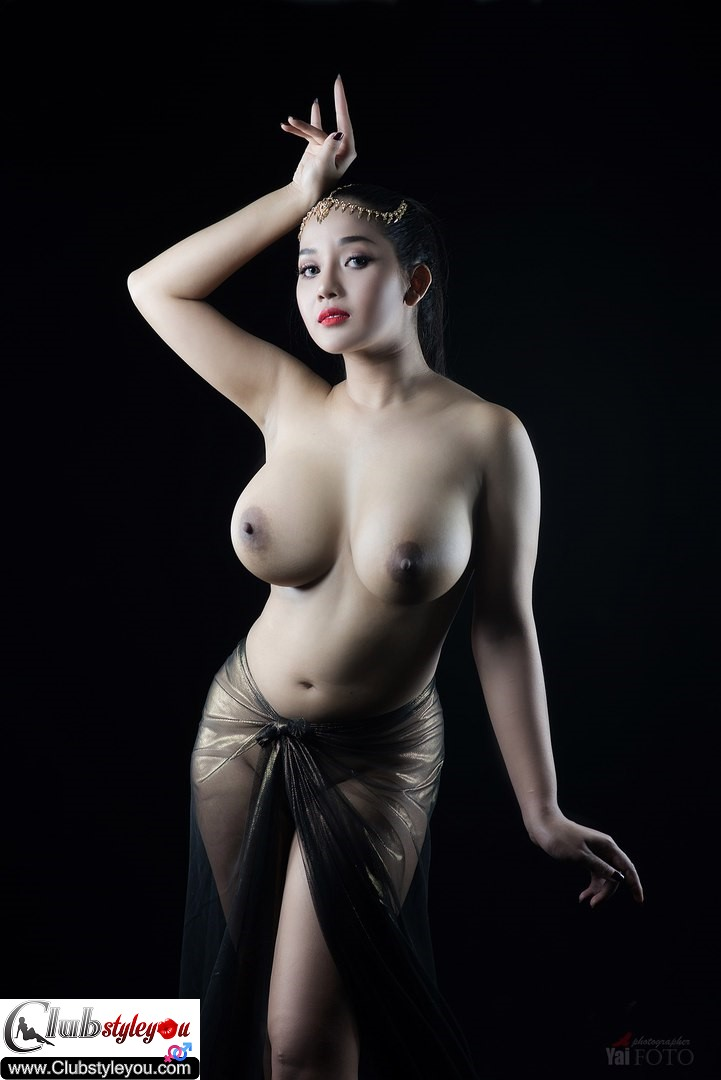 indonesian-hot-nude-artist-very-sexy-porn-boobs