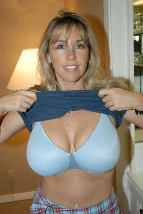 Amateur milf Videos - TIT-BIT Big tits, huge boobs porn tube