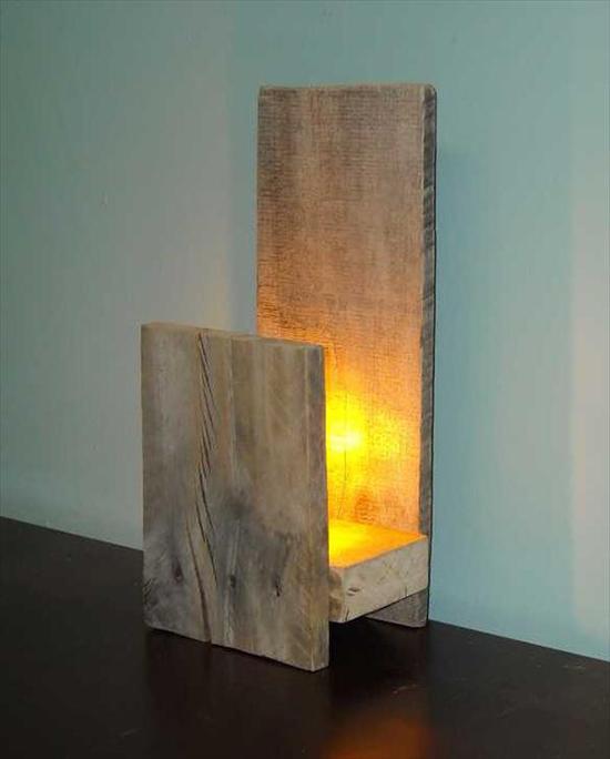 contoh Desain lampu duduk dari pallet bekas