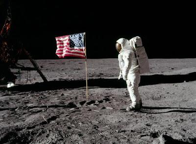 20η Ιουλίου 1969  : Η πρώτη προσεδάφιση ανθρώπου στη Σελήνη