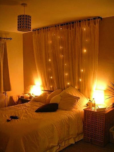 Cheap bedroom lighting ideas - Lighted garlands decoration