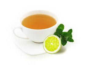 kąpiel w zielonej herbacie
