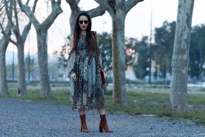 Blogger influencer de moda de Valencia embarazada con ideas para vestir en el embarazo