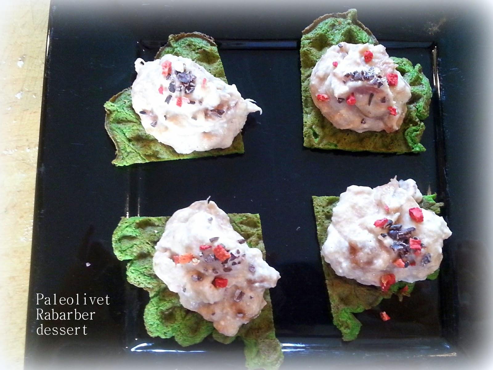 Paleolivet: En rabarber dessert - vafler med rabarbertopping