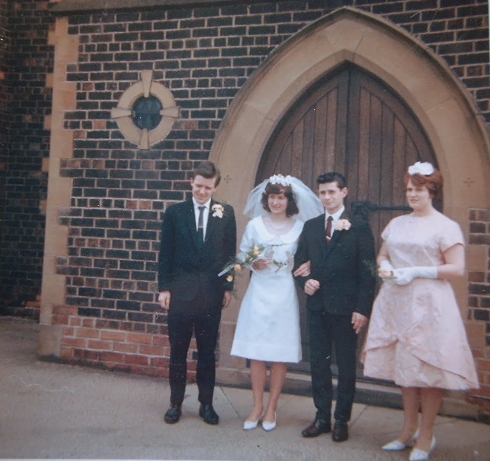 Real Retro Weddings: Adorable Real Vintage Wedding Photos From The 1960s