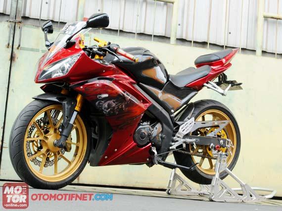 Foto Modifikasi New Yamaha Vixion Merah Full Fairing
