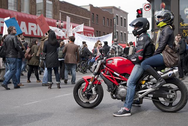 Manifestation étudiante du 22 avril 2012, Montréal [photos David Champagne]