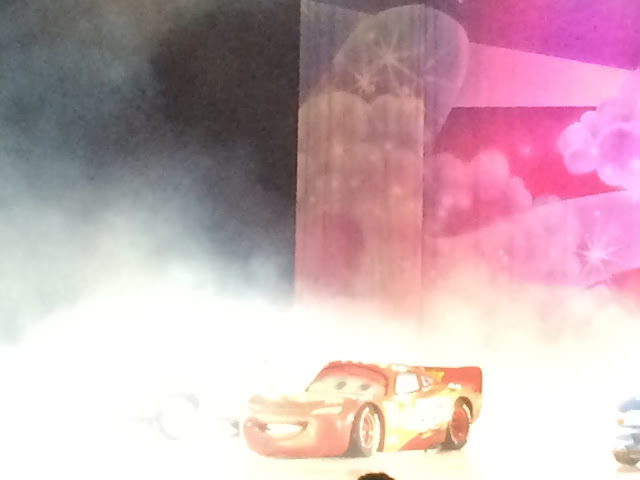 red lighting Mcqueen car at Disney on Ice