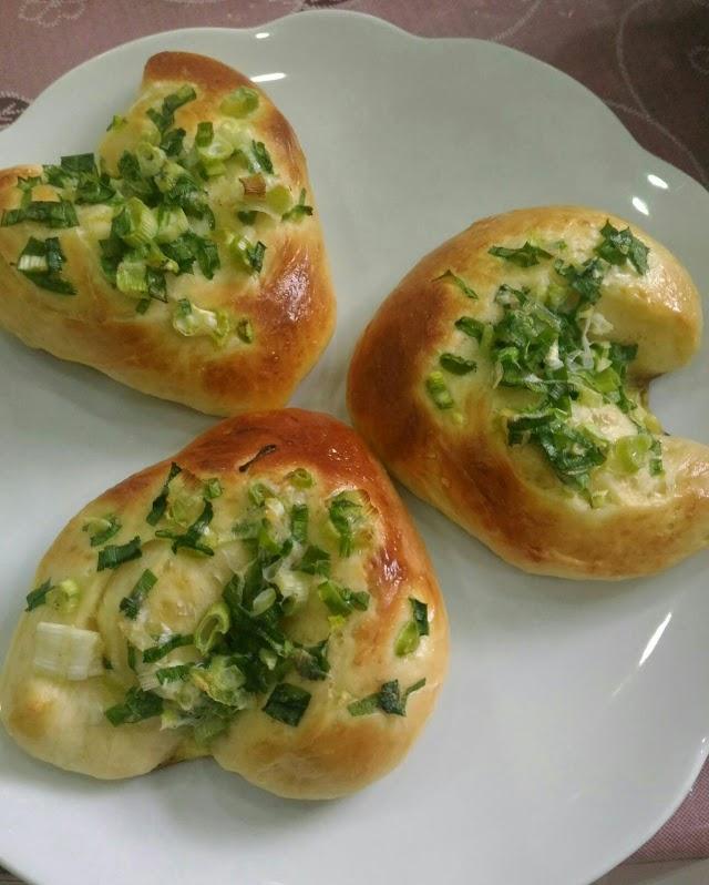 Resep : Cara Mudah Membuat Roti Daun Bawang Cincang