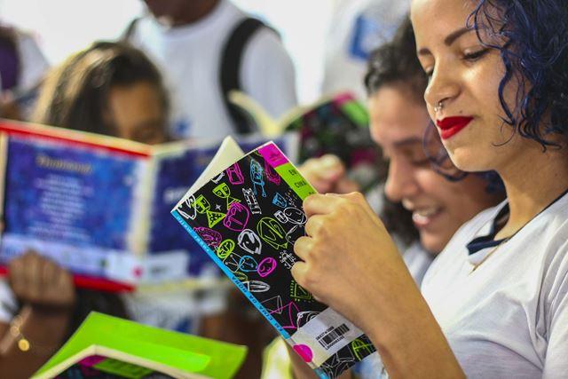 Estudantes participaram da campanha cujo tema foi 'Dia de Ler. Todo dia. Por um Maranhão de Leitores'.