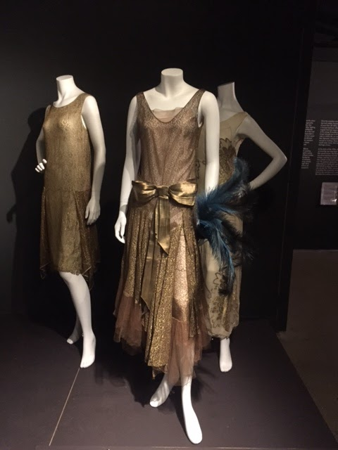 1920s Jazz Age Fashion And Photographs