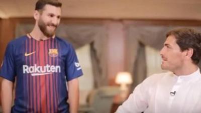 Begini Respons Casillas Ketika Jumpa 'Kembaran' Messi
